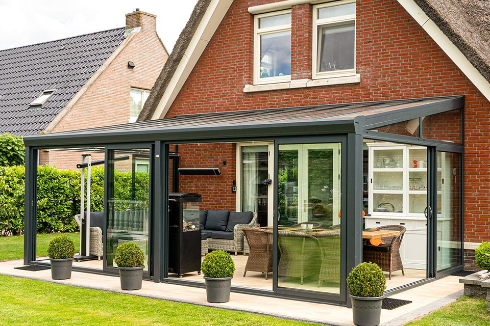 Aluxe Topline veranda met glas 5000x2500
