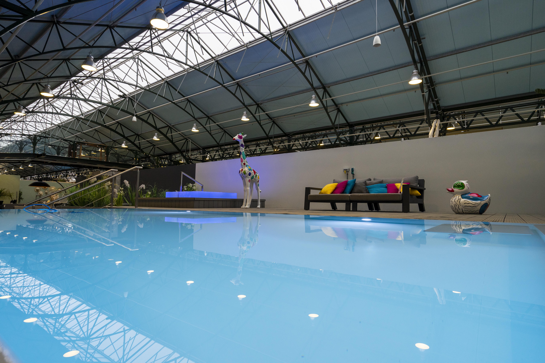 Verkoeling dichtbij huis? Neem een zwembad in de achtertuin!