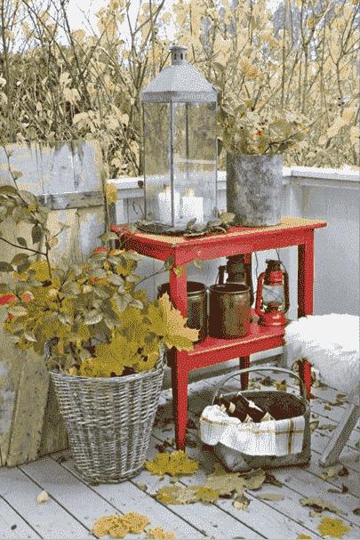 Een sfeervol balkon of dakterras in de herfst