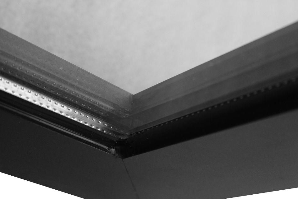 Standaard uitgevoerd met dubbel glas voor goede isolering