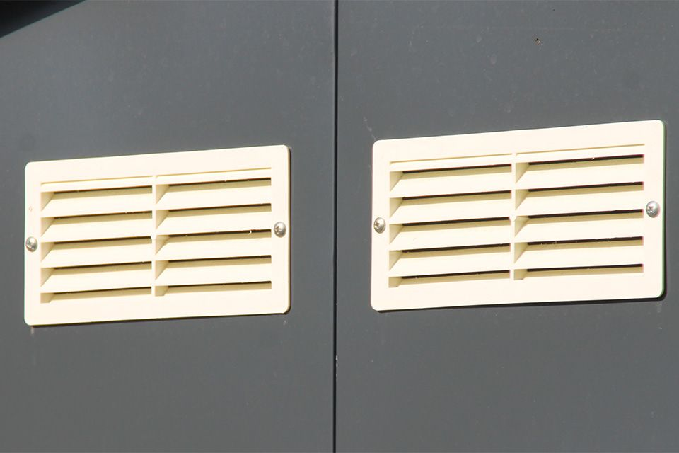 Ventilatieroosters voor goede luchtcirculatie.