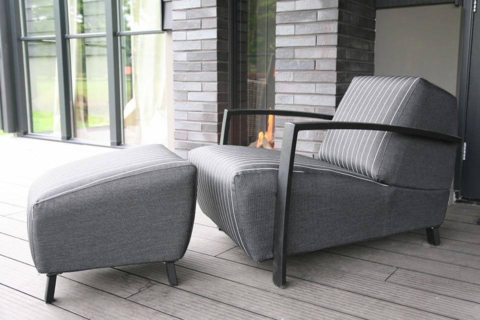 Loungeset Hugo Black Stripe | 4 Seasons Outdoor!